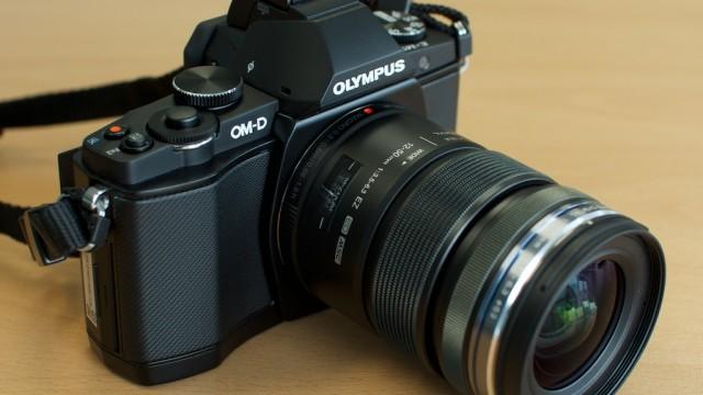 یک دوربین حرفه ای برای تمام فصول