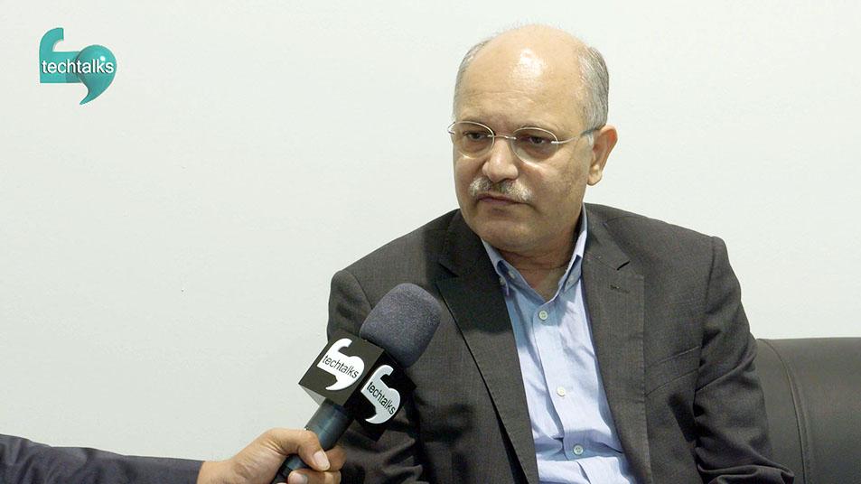 بابک قاجار معاون بازرگانی پارس آنلاین