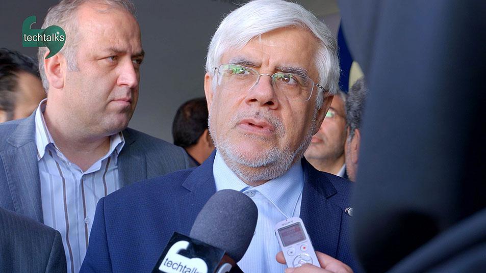 دکتر عارف وزیر سابق مخابرات در بازدید از تلکام ۲۰۱۵ باید به فکر بازارهای منطقه باشیم