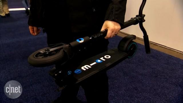 یک اسکوتر برقی که حمل و نقل آن ساده است (Emicro One)