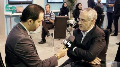 نصرالله جهانگرد: در پی توافق با کمپانی های بزرگ برای تولید تلفن همراه و لپ تاپ در ایران هستیم